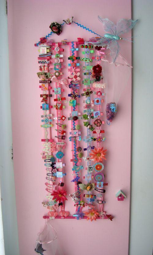 L's hair clip door