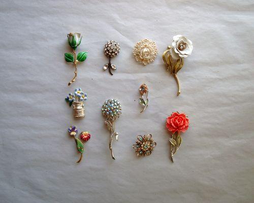 Flower pin original