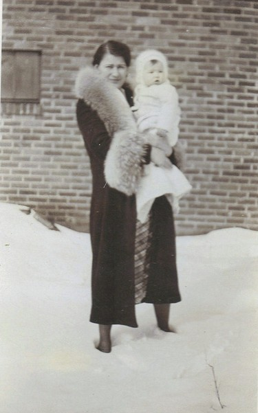 Grandma_snow